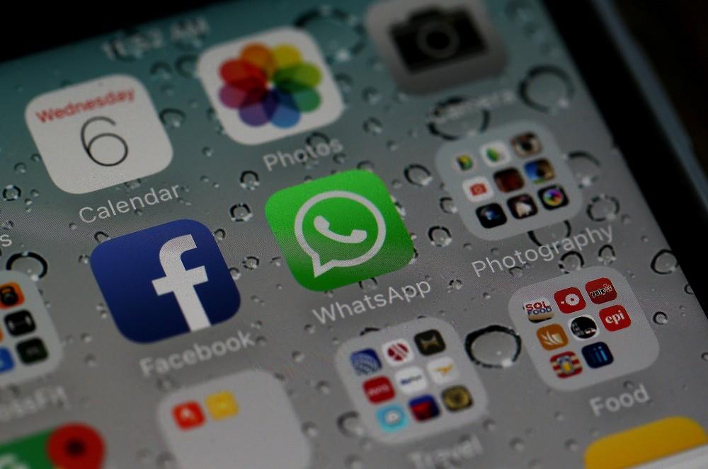 Além de bloquear contas, WhatsApp pode buscar reparação judicial contra indivíduos ou empresas que violarem os termos de serviço do comunicador. — Foto: Justin Sullivan/Getty Images/AFP