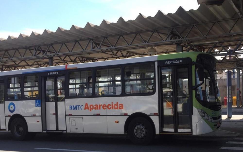 Passe Livre da direito a duas viagens por dia e até 48 viagens por mês, para deslocamento de ida e volta da instituição de ensino, em Goiás — Foto: Lis Lopes/G1