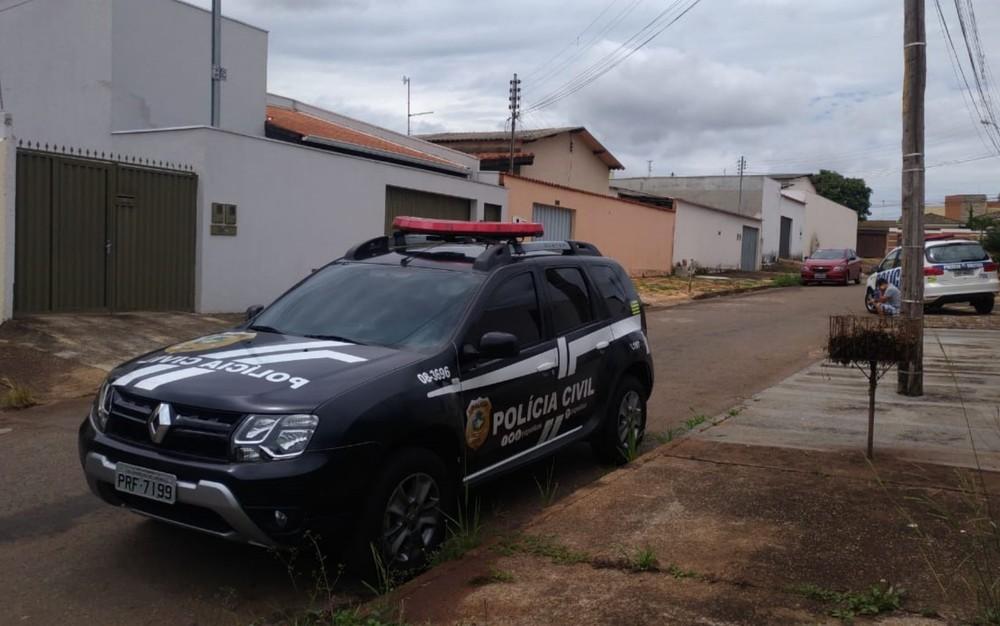 Corpo de garota de programa foi encontrado em casa por amiga, em Anápolis, Goiás — Foto: Divulgação/Polícia Civil de Goiás