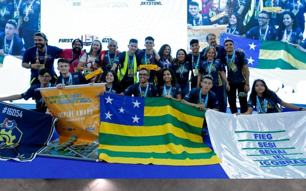 Equipe do Sesi de Goiânia que venceu campeonato nacional de robótica e garantiu vaga no mundial — Foto: Reprodução/Sesi