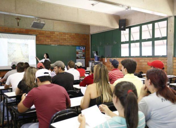 A União Estadual dos Estudantes de Goiás (UEE) ajuizou, neste sábado (30), Ação Civil Coletiva contra as faculdades particulares do Estado e pede a redução, em 30%, dos valores das mensalidades. (Foto: reprodução)