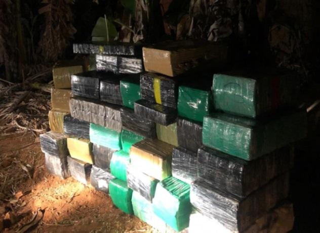 Sete toneladas de maconha são apreendidas em Goiás durante a madrugada